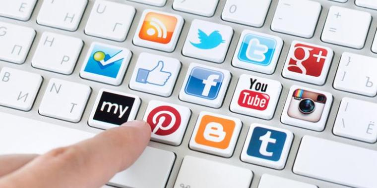 Analisa Plus Minus Media Sosial dan Implikasinya