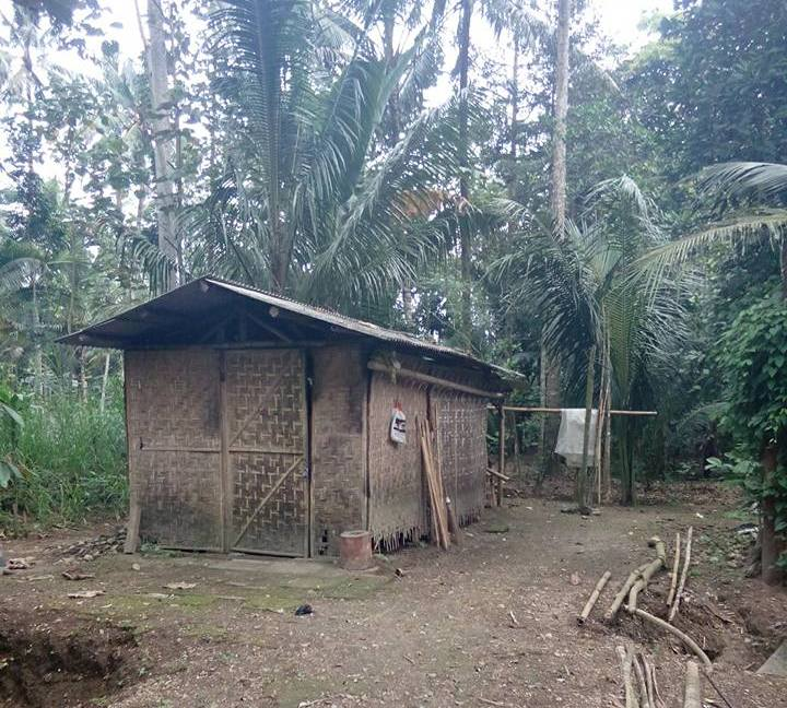 Berhati Mulia Pak Salim Diami Gubuk Bambu Beralas Tanah Namun
