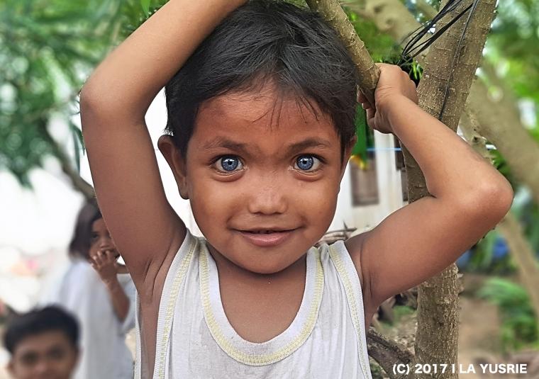 Uniknya Komune Manusia Bermata Biru di Buton