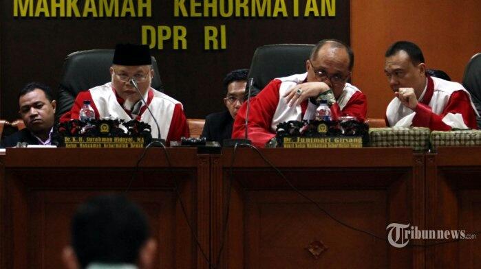 Masihkah MKD DPR Sahabat Setya Novanto?