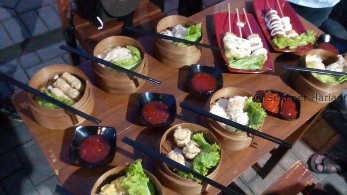 Makanan Jepang Konsep Kaki Lima di Malang