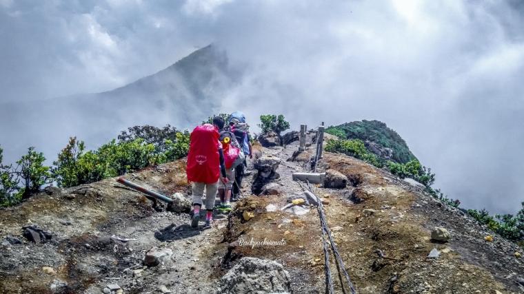 Korban yang Meninggal, Hipotermia dan Kesurupan Saat Mendaki Gunung