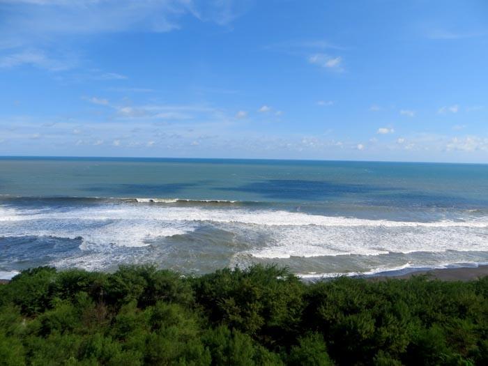 Menapaki Indahnya Pantai Goa Cemara dan Pandansari Bantul