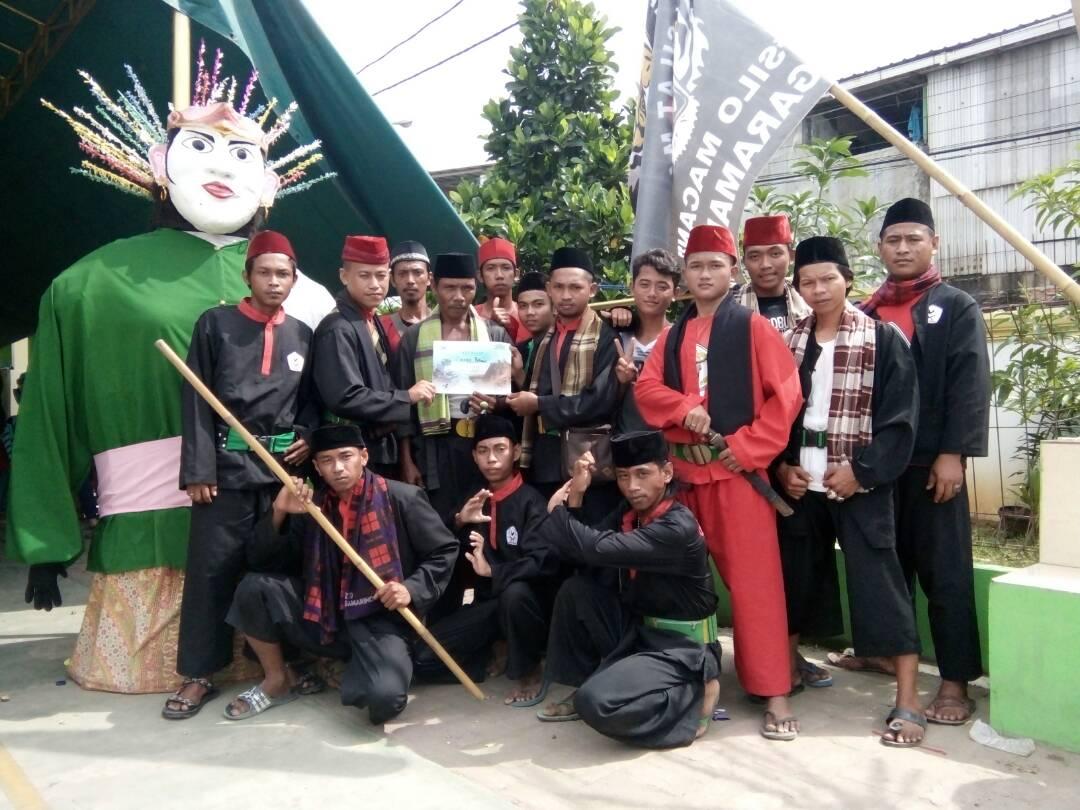 Perguruan Silat Cinong Betawi Wadah Lestarikan Seni Budaya  Selengkapnya : http://www.kompasiana.com/bisot/perguruan-silat-cinong-betawi-wadah-lestarikan-seni-budaya_59088cae127b612171516592