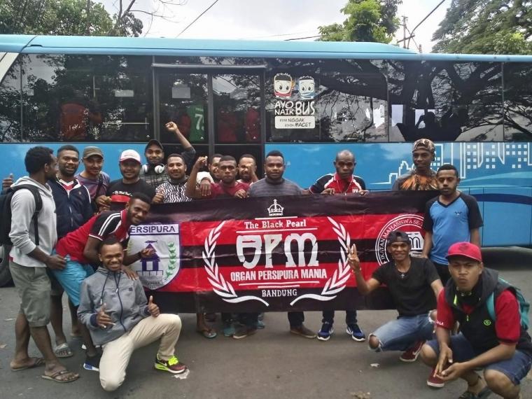 Sekjen IMASEPA Jabar Menanyakan Penahanan Spanduk OPM Bandung