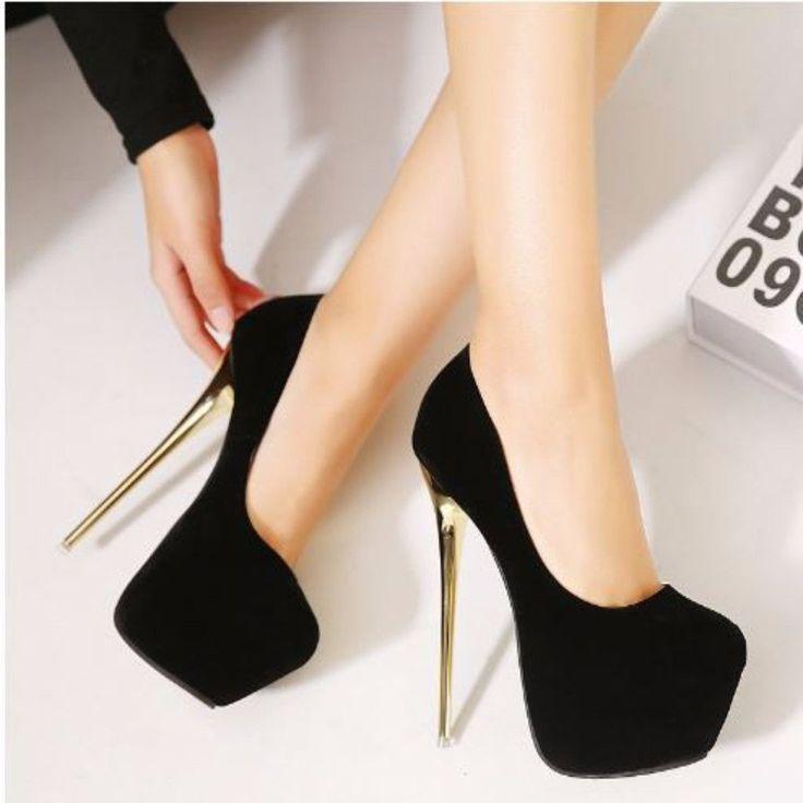 Hati-hati! Keseringan Pakai High Heels Berbahaya bagi Kesehatan