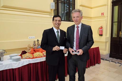 Perguruan Tinggi Raharja Menggebrak Dunia dengan Kerjasama Internasional