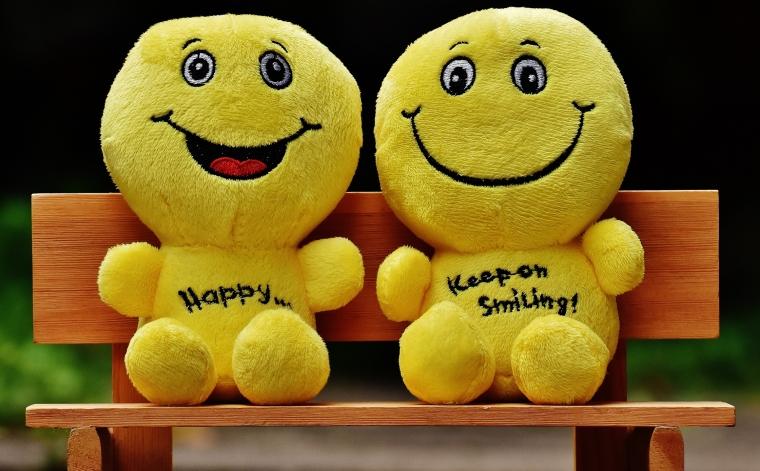 Senyum: Awet Muda atau Terlihat Tua?