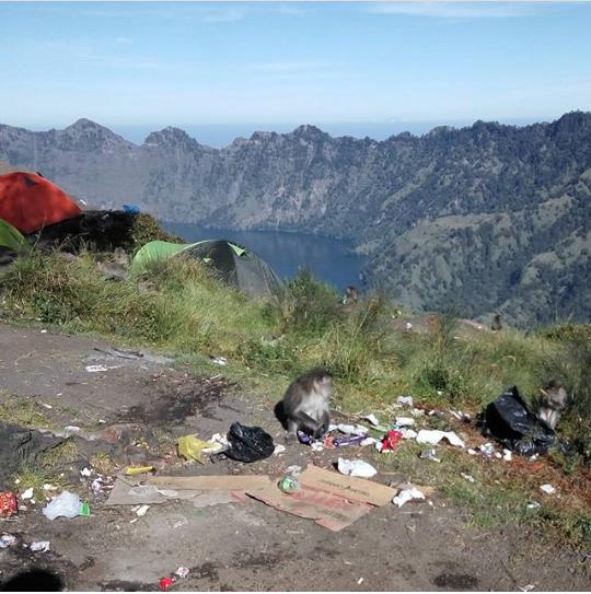 Sampah di Gunung Rinjani