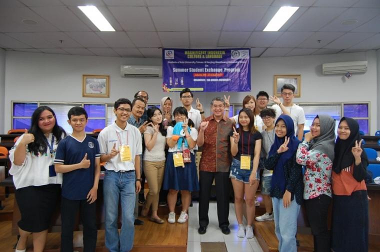 Esa Unggul Sambut 5 Mahasiswa Taiwan