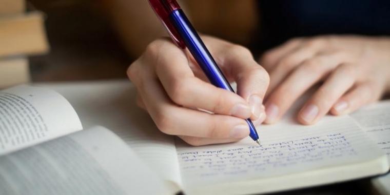Pentingnya Disiplin dalam Menulis