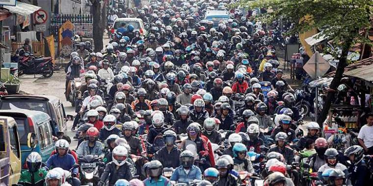 Lelah dengan Kemacetan Jakarta? Saatnya Pakai Motor Matic!