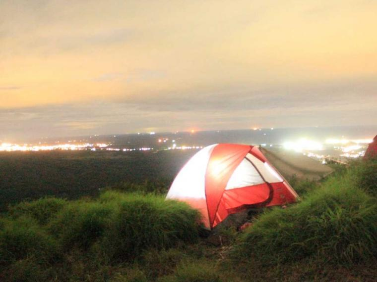 Indahnya Pemandangan Malam di Bukit Besar Kabupaten Lahat