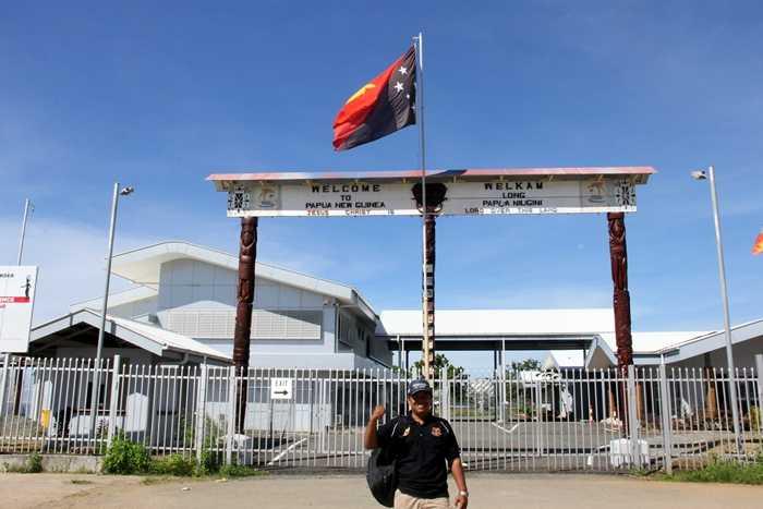 Menyelinap ke Papua New Gunea Tanpa Paspor? Bisa Kok
