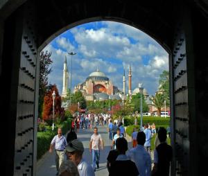 Kisah Gereja yang Menjadi Masjid