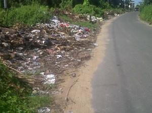 Berkeliling  Kota Memotret Realita Tumpukan Sampah Menghiasi Ketapang