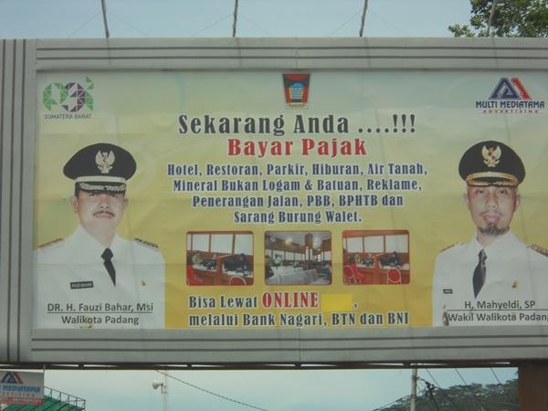 Padang, Contoh Kota Merana oleh Pemimpin Kecanduan Agama