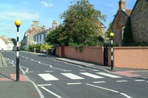 Menyeberang Jalan di Inggris