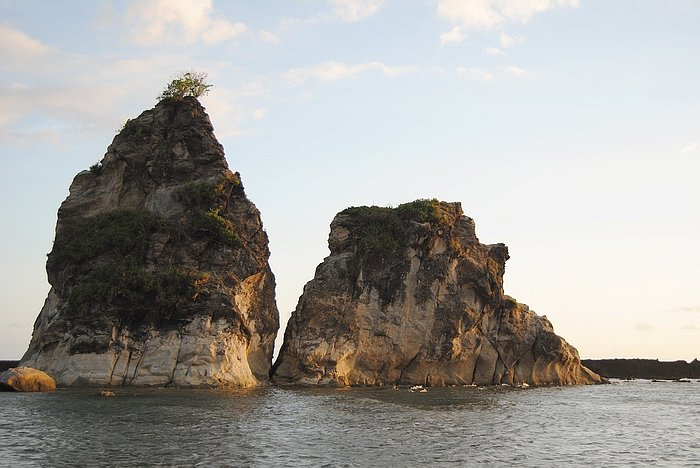 Pantai Sawarna: Keindahan dan Jejak Sejarahnya dalam Potret Kekinian