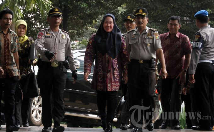 Kejanggalan Dana Hibah dan Bansos Provinsi Banten Jelang Pilgub 2011