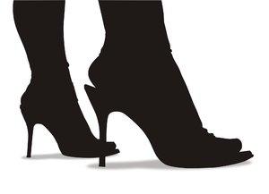 """""""Bissu"""" Tergerus dalam Kegamangan Gender"""