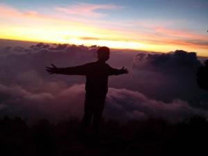 Senja di Atap Gunung Arjuno