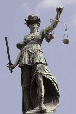 Miris, Dewi Keadilan Diperkosa