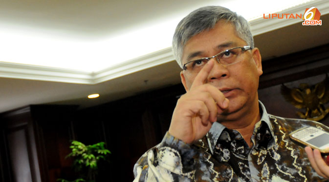 """""""Sandiwara""""  Penangkapan Akil Oleh KPK Benarkah?"""