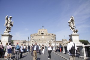 Penggusuran PKL Terjadi Juga di Roma