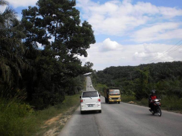 Jalan-jalan di Jalan Lintas Timur Sumatera
