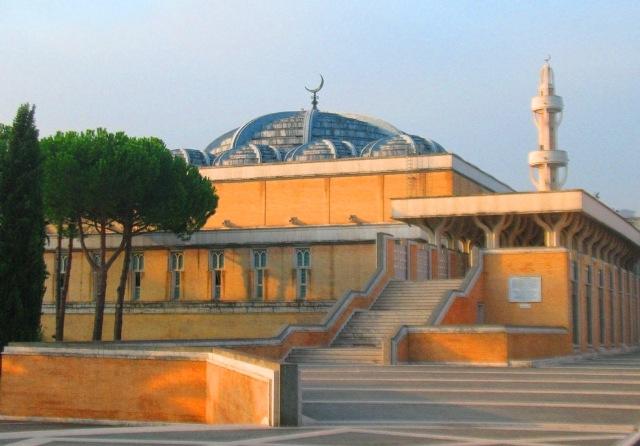 Masjid Agung di Tanah Vatikan