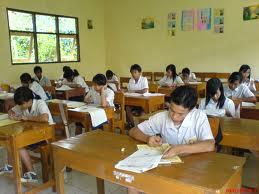 Ujian Nasional 20 Paket Soal, Gagalnya Pendidikan Moral di Indonesia