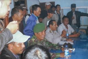 Warga Desa Pelang Lakukan Audensi Menuntut Kejelasan di PT Limpah Sejahtera