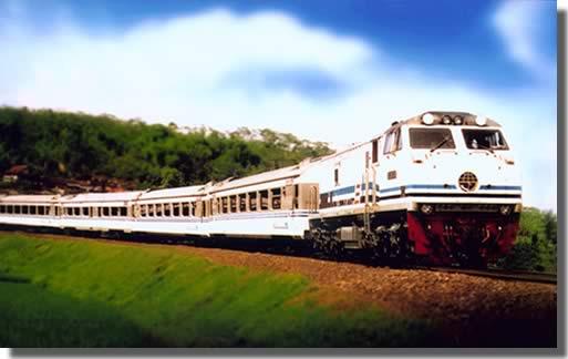 Bermalam di Kereta Api Eksekutif Gajayana