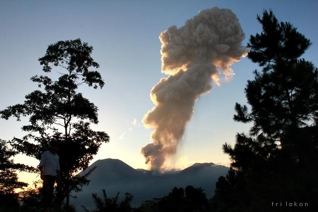 Ironi, Mitos dan Siaga Gunung Lokon