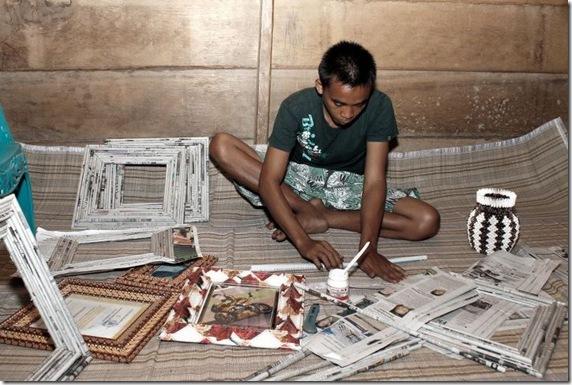 Koran Bekaspun Menjadi Bingkai Foto