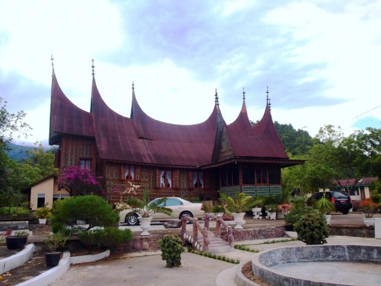 Hasil gambar untuk objek wisata rumah gadang istano rajo balun