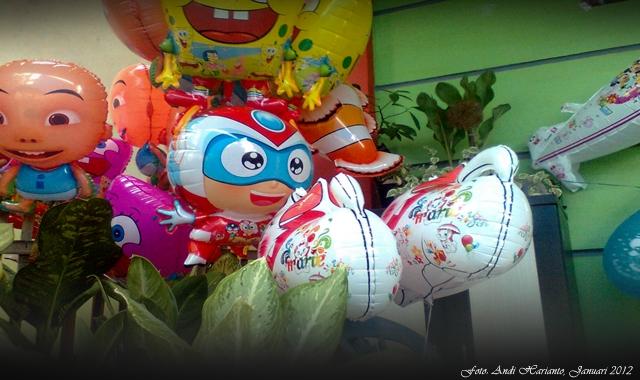 Bisnis Menggoda Si Tukang Balon