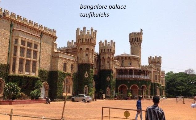 Menjadi Turis Bak Pencuri di  Bangalore Palace
