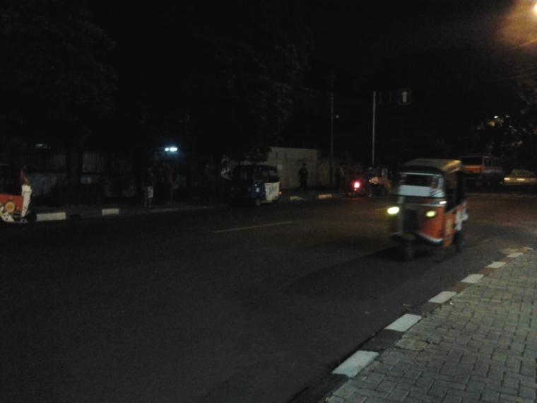Menyaksikan Balapan Bajaj yang Unik di Jakarta