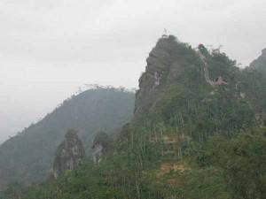 Puncak Suroloyo : Mitos Negeri Kahyangan, dan Negeri Di Atas Awan