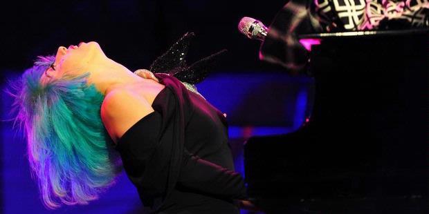 Lady Gaga Pemuja Setan? Setan yang Mana?