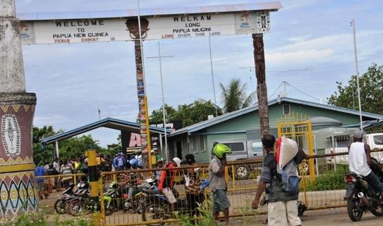 Warga Perbatasan Tutup Jalan ke Papua Nugini