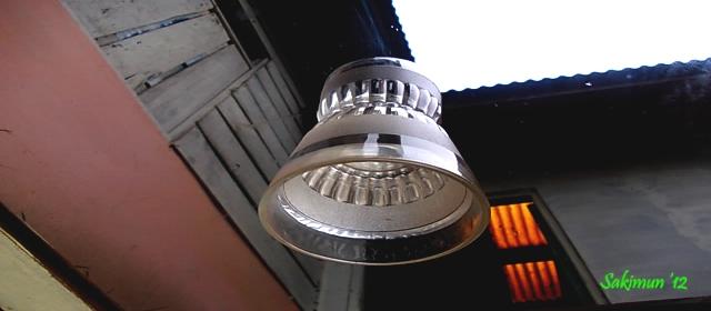 UFO ( Unindetified Flying Object)