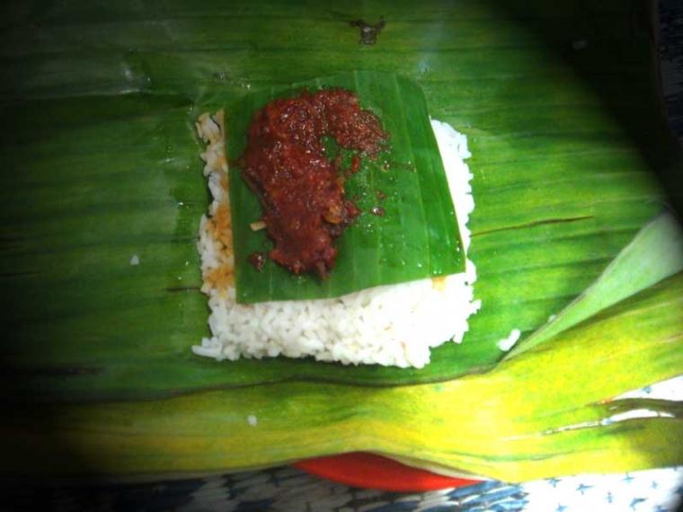 Buktikan!!! Makan di Angkringan Lebih Mahal Daripada Rumah Makan Padang