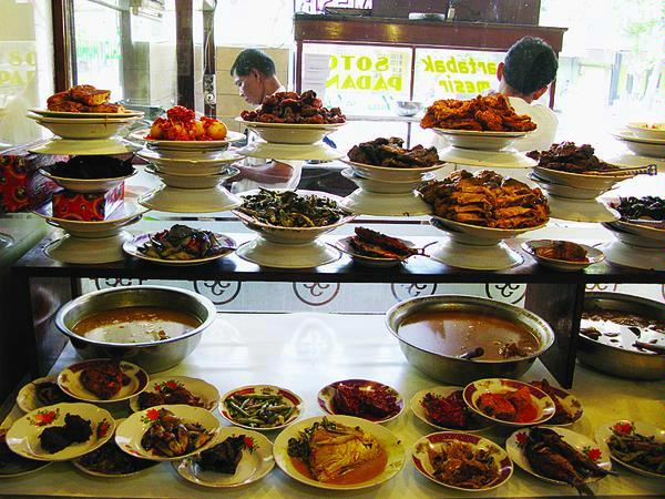 Rumah Makan Padang dan Lidah Orang Minang