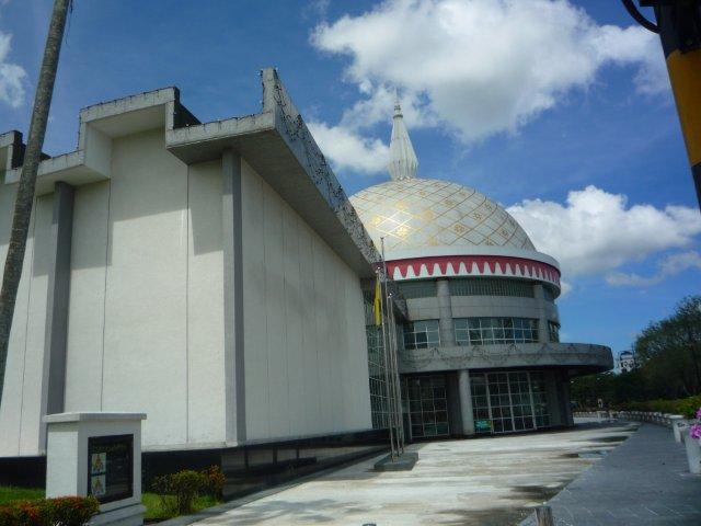 Yuk Berkenalan dengan Sultan: Catatan Muhibah ke Brunei (12)
