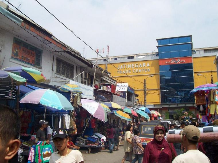 Copet Wanita Berkedok Jilbab Merajalela di Pasar Jatinegara