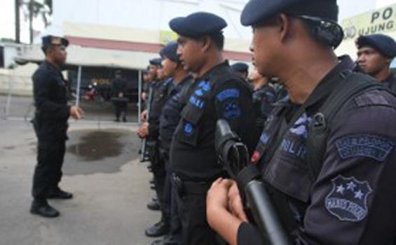 Anggota Brimob Srondol Serang Sabhara Polda Jateng