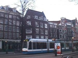 Mengamati Arsitektur dan Lingkungan di Amsterdam